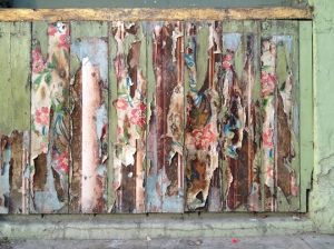 I'd never noticed this beautiful weathering panel on the Quay just east of the Four Courts. Lovely, isn't it?