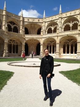 It has been described as Manueline, Plateresque, Renaissance architecture.