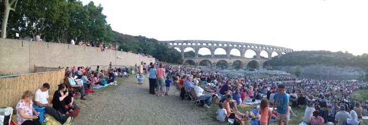 Pont du Gard crowd