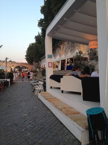 The temporary restaurants...